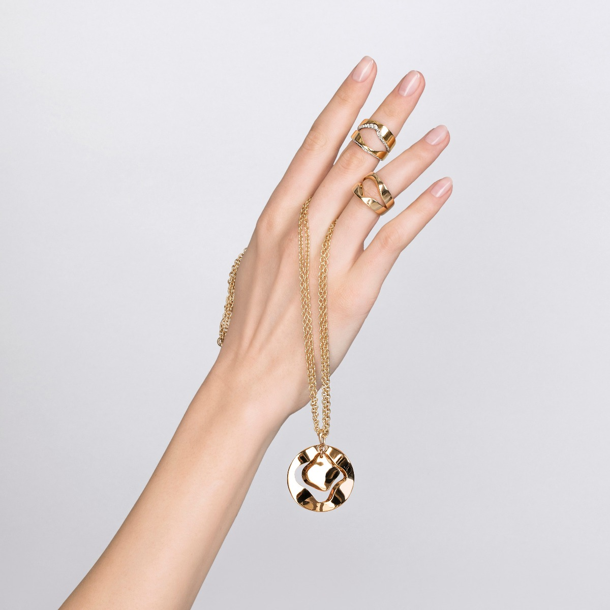 Antonini Anniversary100 collection ring and necklace yellow gold and diamonds