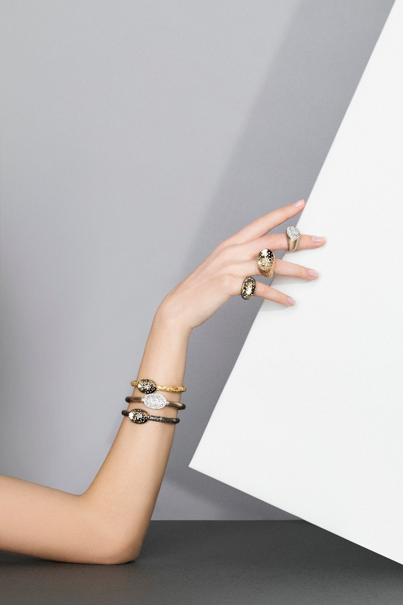 Antonini nuova campagna adv, collezione Etna anelli e bracciale oro e diamanti gold diamonds ring cuff