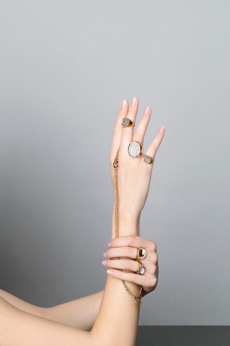 Antonini nuova campagna adv, collezione Matera anelli e catena oro e diamanti gold diamonds necklace